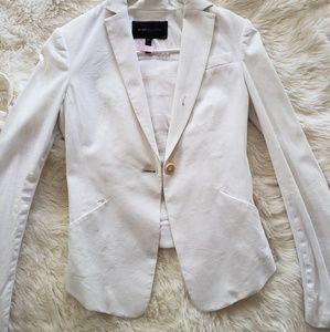BCBGMAXAZRIA White blazer w/ Ruffled Back